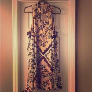 Casual cris-cross chest dress